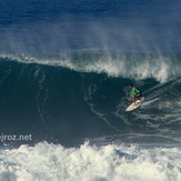 marcelo trekinho in a big barrel!, Canto do Leblon