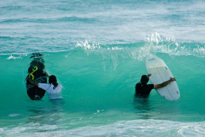 Santi y Berni entrando a Macao.., Playa del Macao