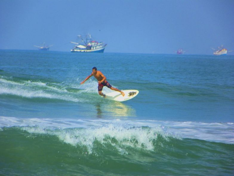 Your Host Surf Guide, Celestino
