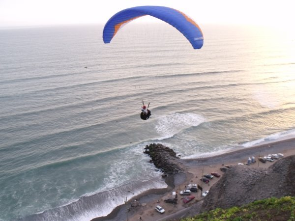 surfing and flying, Pampilla