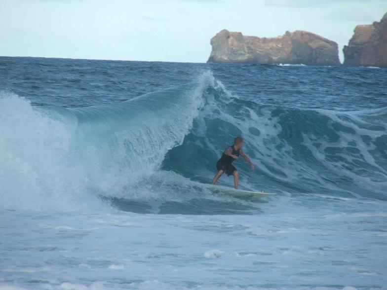 Josh catches a sick left!, Pyramid Rock