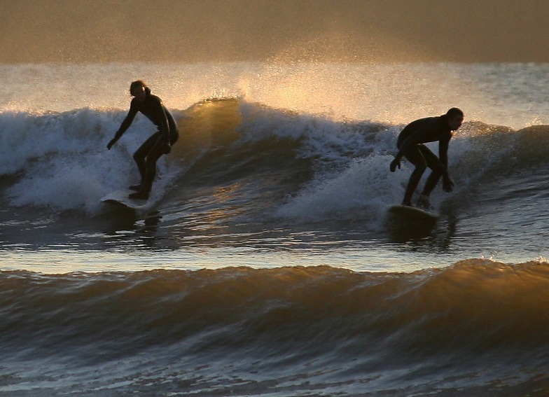 Unknown surfers, Llangennith