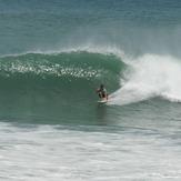 Surfing Popoyo, Nicaragua