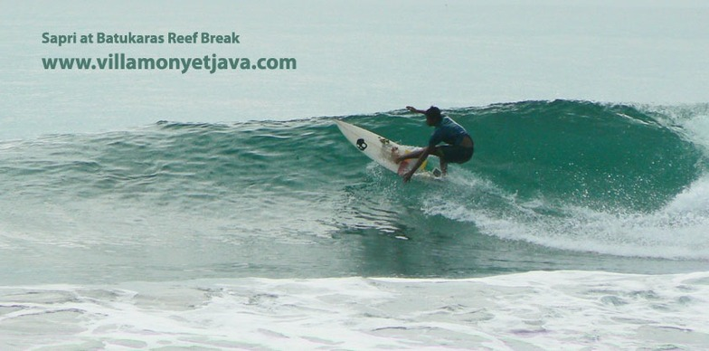Batukaras Reef Break, in front of Villa Monyet Java, Batu Karas
