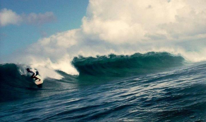 Vaadhoo surfers, Blue Bowls