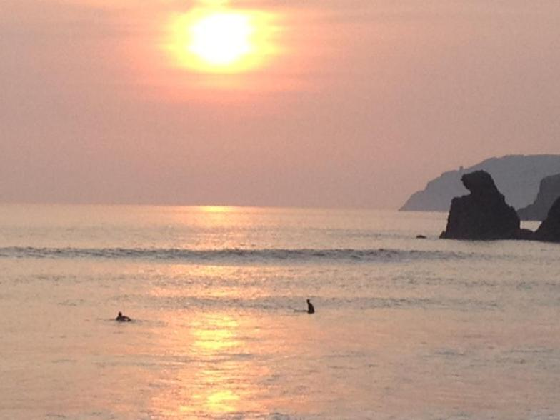 The sun is setting & the swell is rising, Muckros