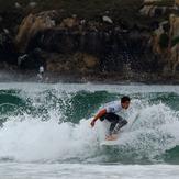 Surfista en Sabón, Playa de Sabon