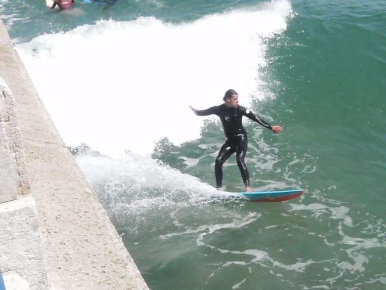 Surfeando en El Muro - Santander, El Sardinero - Primera