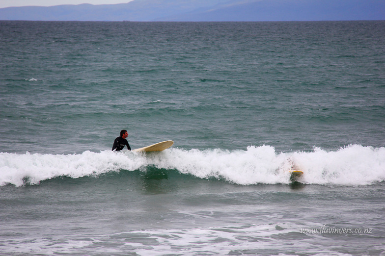 Catching a wave, Colac Bay