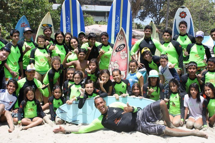 los cocos surf school