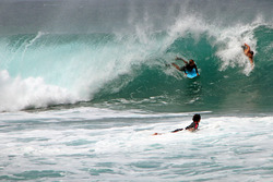 Pipeline Traffic, Banzai Pipeline and Backdoor photo