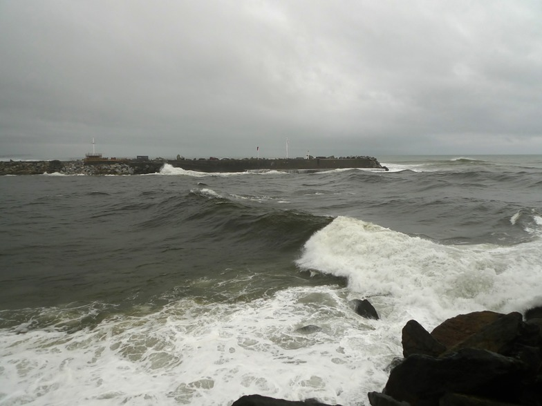 Cobden Breakwater Right-hander