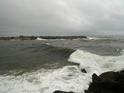 Cobden Breakwater Right-hander photo