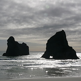 Wharariki Archway Islands, Wharariki Beach