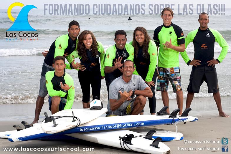 escuela de surf de playa los cocos