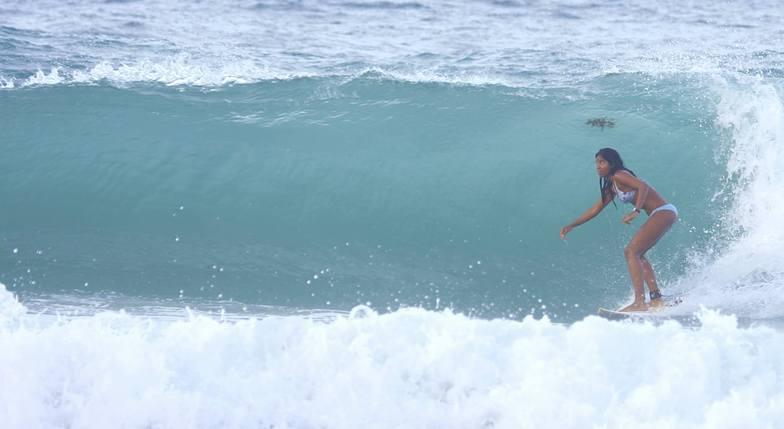 muy buena, Playa Parguito