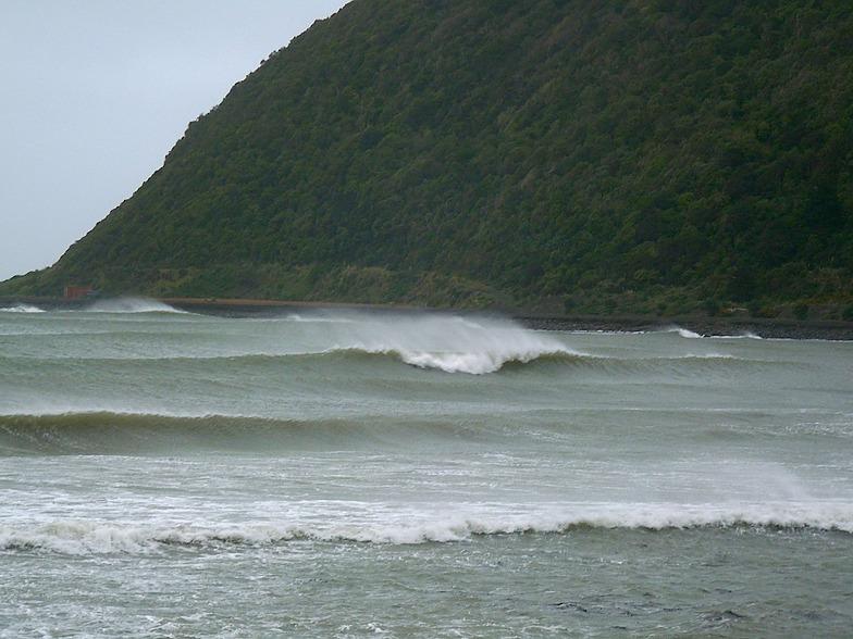 Hongoeka Storm Surf, The Pa Point