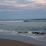Tiny waves, Pouawa Beach