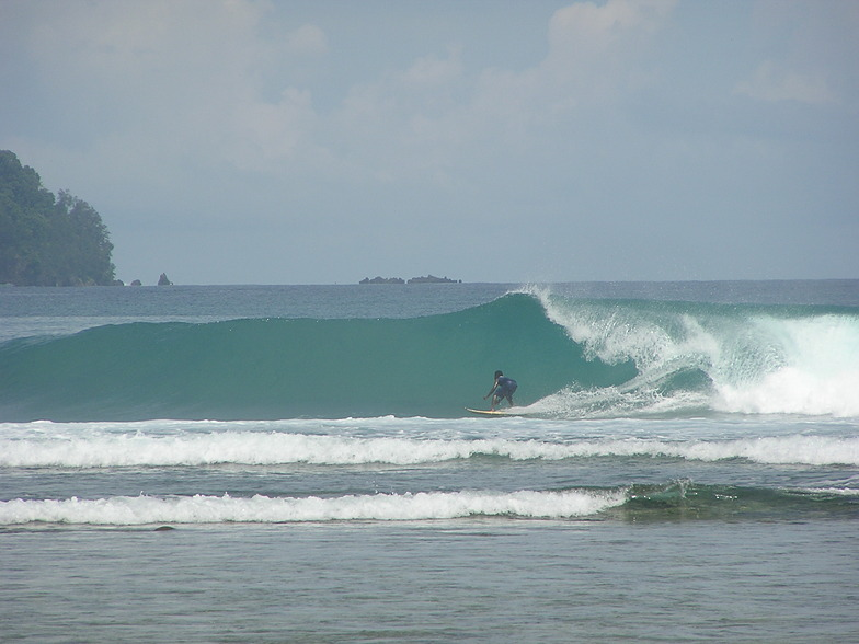 Jethro setting up for the tube, Cape Barabar