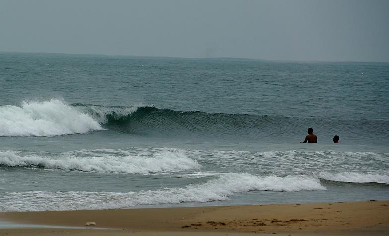 Typhoon approaching, My Khe / Da Nang
