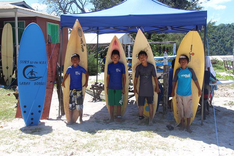 Hakimi, Jipune,Elvin,and Iko, Kudat (Pantai Kosuhui)