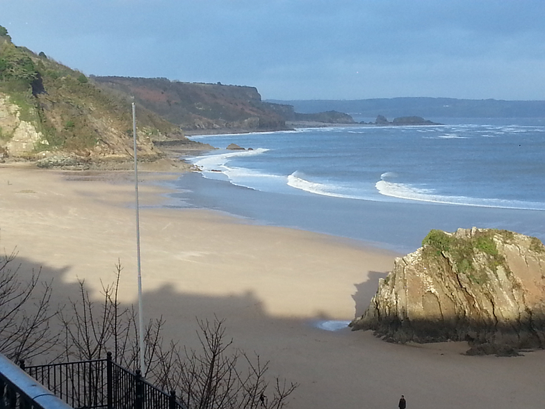 Lull in the weather, shame its too small, Tenby (North Beach)