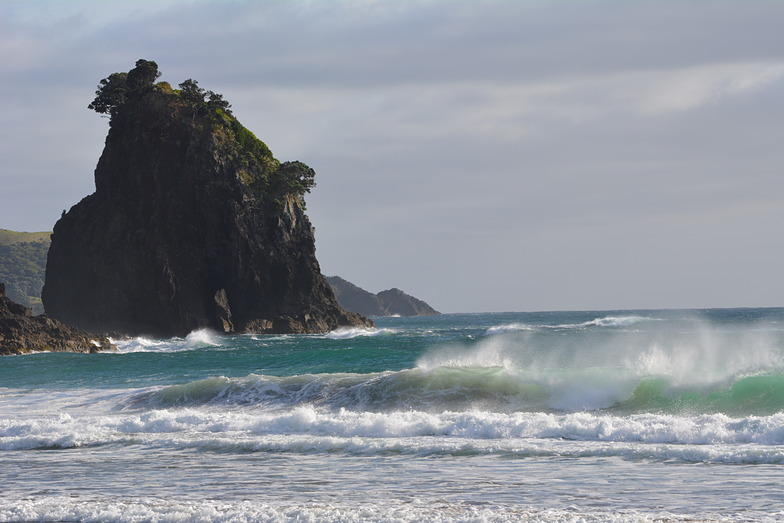 Awana surf break