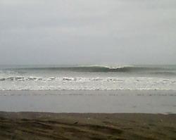South beach peaking, South Beach (Wanganui) photo