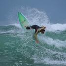 Women 'n wetsuits, North Moana Beach