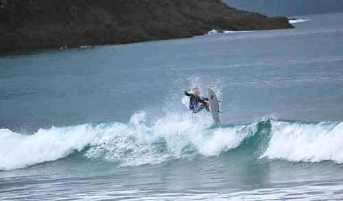 A fun small wave at Medlands..., Medlands Beach