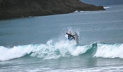 A fun small wave at Medlands..., Medlands Beach photo