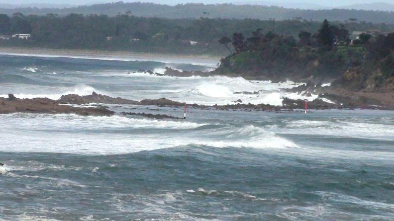 Tomaga Rivermouth surf break