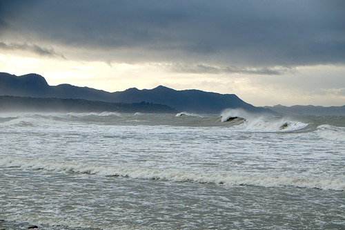 Onekaka surf after an easterly storm