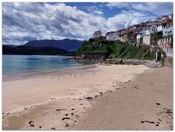 Playa de Lastres photo