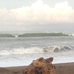 Frente al Bohio (3/8/14) aprox. 3-3.5 ft, Playa Jaco