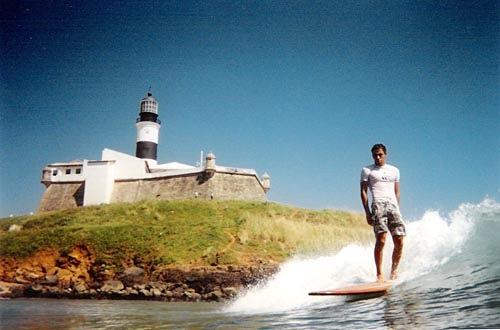 Farol da Barra surf break