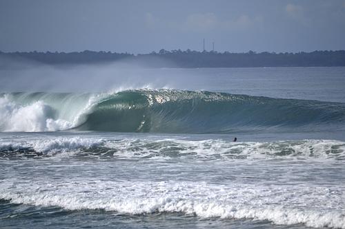 Can you believe this is a beach break?, Mandiri