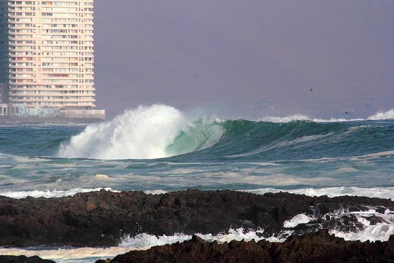 Intendencia surf break