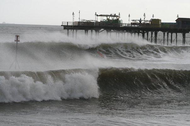 Teignmouth surf break