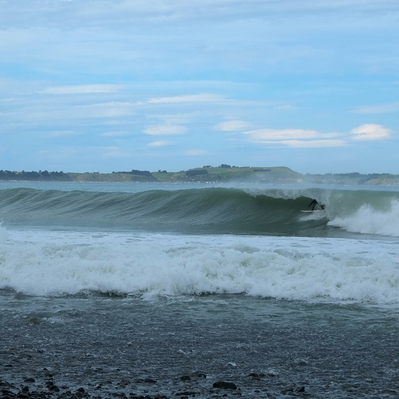 Kahutara surf break