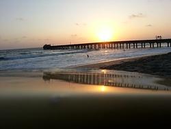 Muelle, sol, pequeñas olas, Elle Muelle de Ecuasal photo