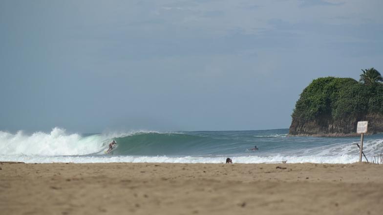 Cocles surf break