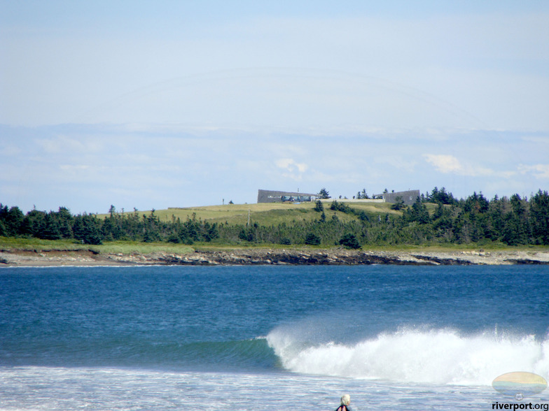 Hirtle's Beach (Hartling Bay) surf break