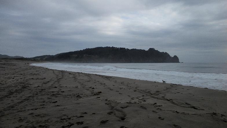 Hot Water Beach surf break