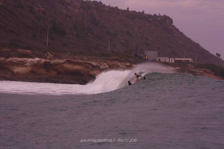 Frente A Bahia surf break