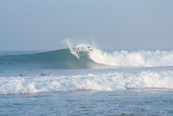 Big one, North Jetty (Hikkaduwa) photo