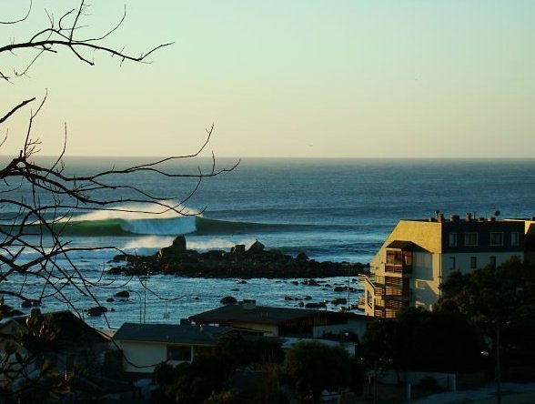 Algarrobo surf break