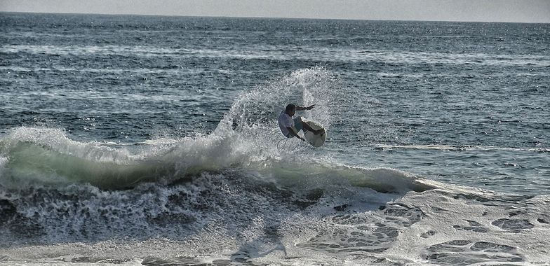 Zipolite surf break