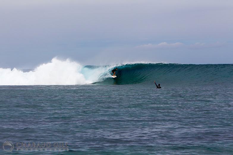 Ouano Lefts surf break