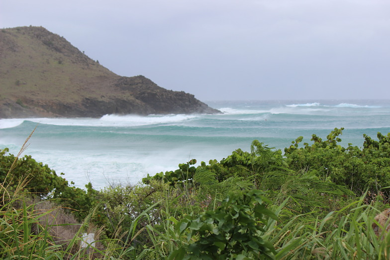 Toiny surf break